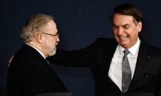 A proximidade de Aras e Bolsonaro é alvo de crítica dentro do MPF. Foto: Evaristo Sa / AFP