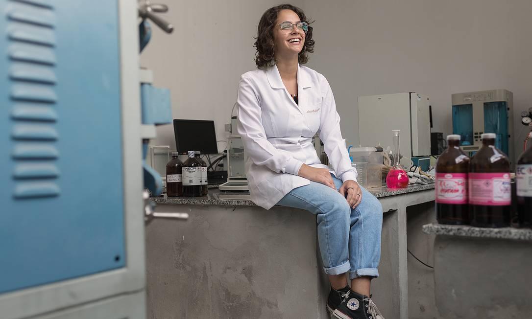 Juliana Estradioto ficou em primeiro lugar na área de ciências dos materiais na International Science and Engineering Fair, em 2019. Foto: Tiago Coelho / El País