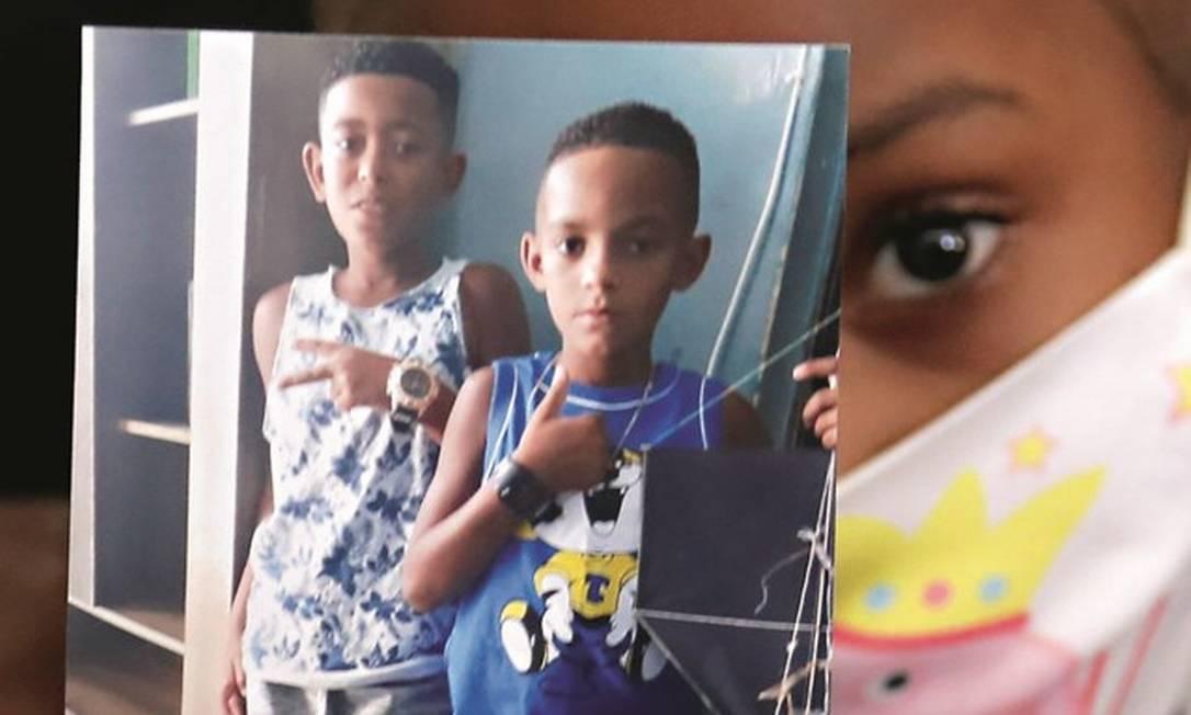 Dois dos três meninos que sumiram em Belford Roxo, na Baixada Fluminense, no ano passado. Foto: Fabiano Rocha / Agência O Globo