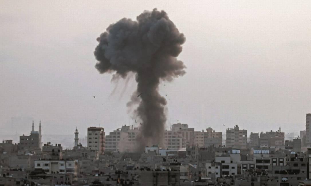 O Hamas, que controla a Faixa de Gaza, lança foguetes contra Israel e vira alvo de contra-ataque. Foto: Mahmud Hams / AFP