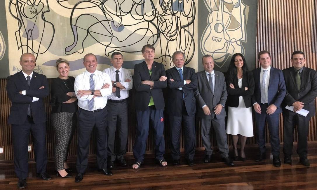 Chinelo e camiseta: a reunião da Previdência Foto: Coluna Guilherme Amado/Agência O Globo