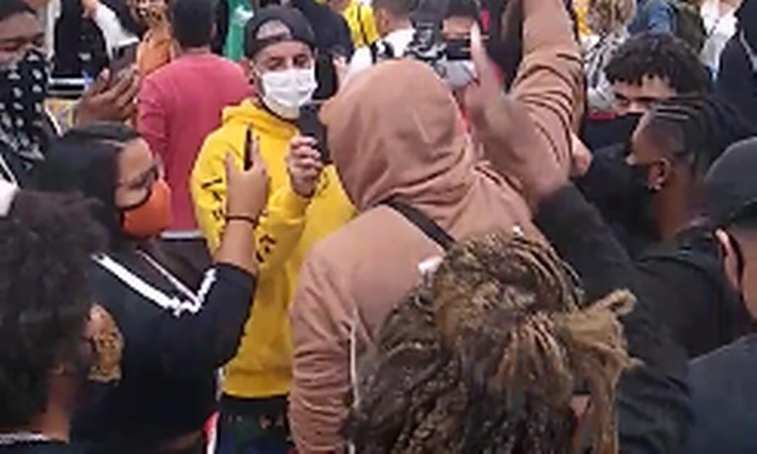 Após assassinato de homem no Carrefour em Porto Alegre, manifestantes ocupam filial do supermecado no Rio de Janeiro Foto: Reprodução