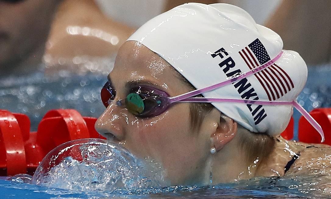 A nadadora americana Jeanette Franklin treina no Parque Aquático Jorge William / Agência O Globo