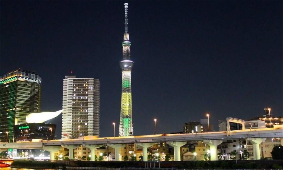 O verde e o amarelo também invadiram o Edifício Skytree, em Tóquio Foto: Divulgação / Ministério das Relações Exteriores