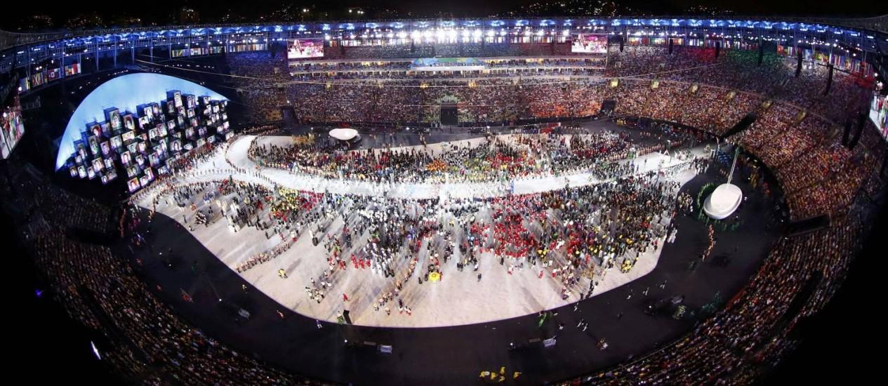 Vista geral da festa de abertura dos Jogos Rio-2016, durante o desfile das delegações Foto: FABRIZIO BENSCH / REUTERS