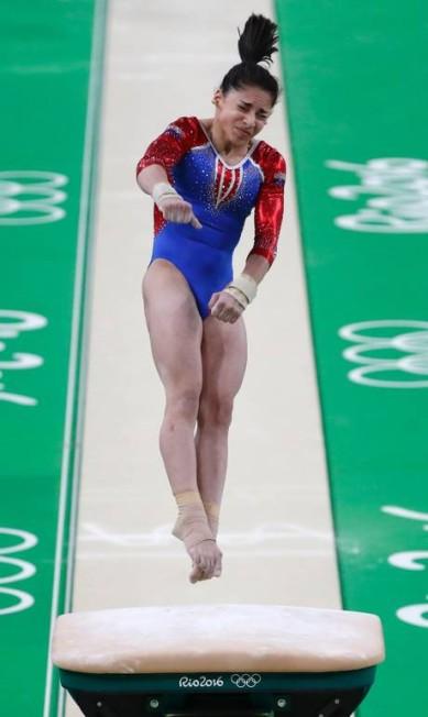 Aliya Mustafina, da equipe russa. País ficou em terceiro lugar após três das cinco subdivisões THOMAS COEX / AFP