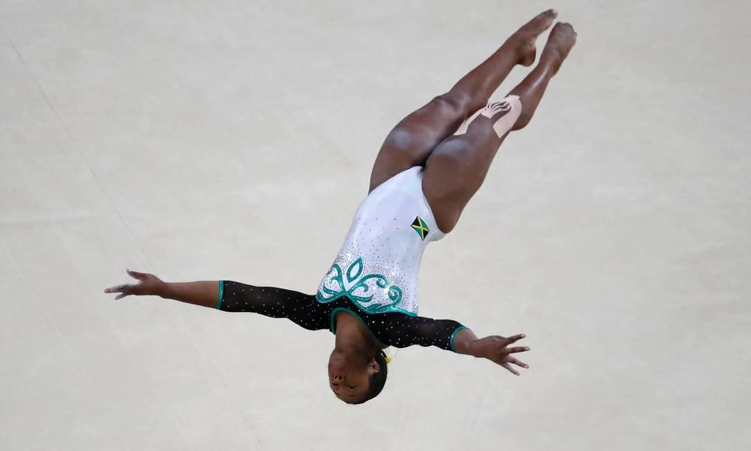 """A jamaicana """"voa"""" na Arena Olímpica do Rio THOMAS COEX / AFP"""