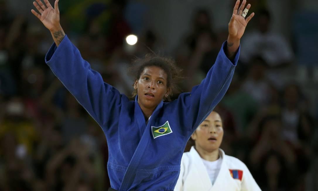 Rafaela Silva comemora a primeira medalha de ouro do Brasil nos Jogos Olímpicos TORU HANAI / REUTERS