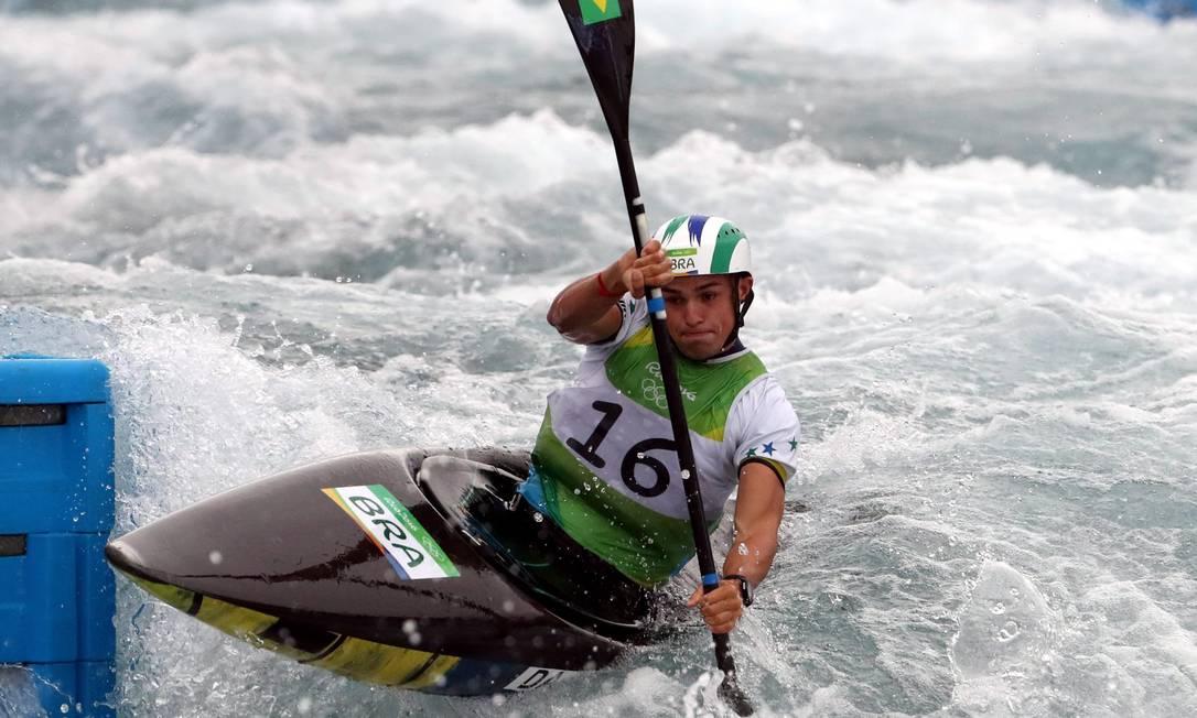 Pedro Henrique da Silva obteve a melhor colocação do Brasil na história dos Jogos na canoagem slalom Marcelo Carnaval / Agência O Globo