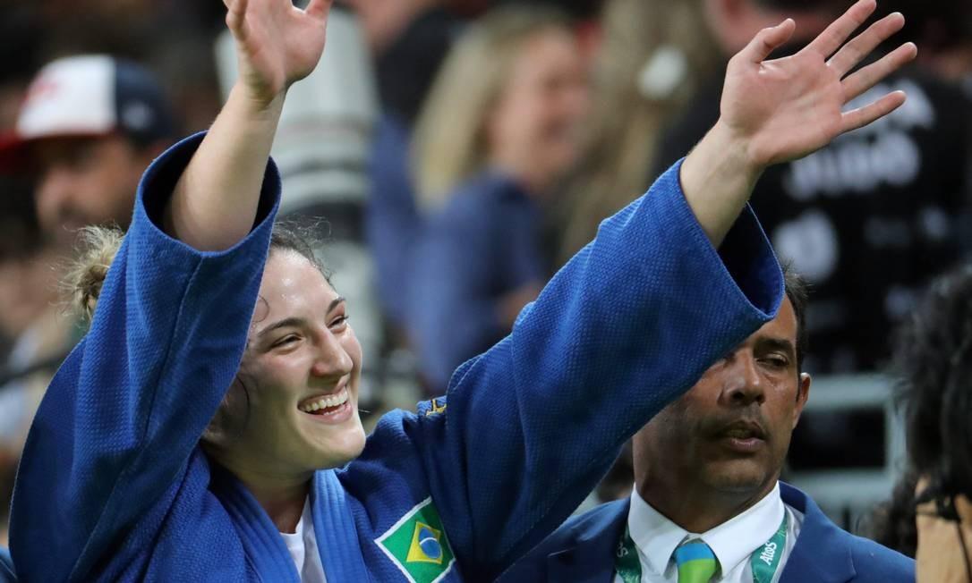 Mayra Aguiar comemora a conquista da segunda melhada de bronze em Jogos Olímpicos. A primeira foi em Londres-2012 Marcelo Carnaval / Agência O Globo