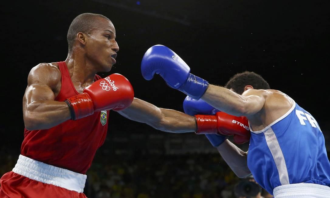 Robson Conceição finalmente realizou o sonho de ser campeão olímpico depois de duas derrotas frustrantes na primeira rodada em Pequim-2008 e Londres-2012 PETER CZIBORRA / REUTERS