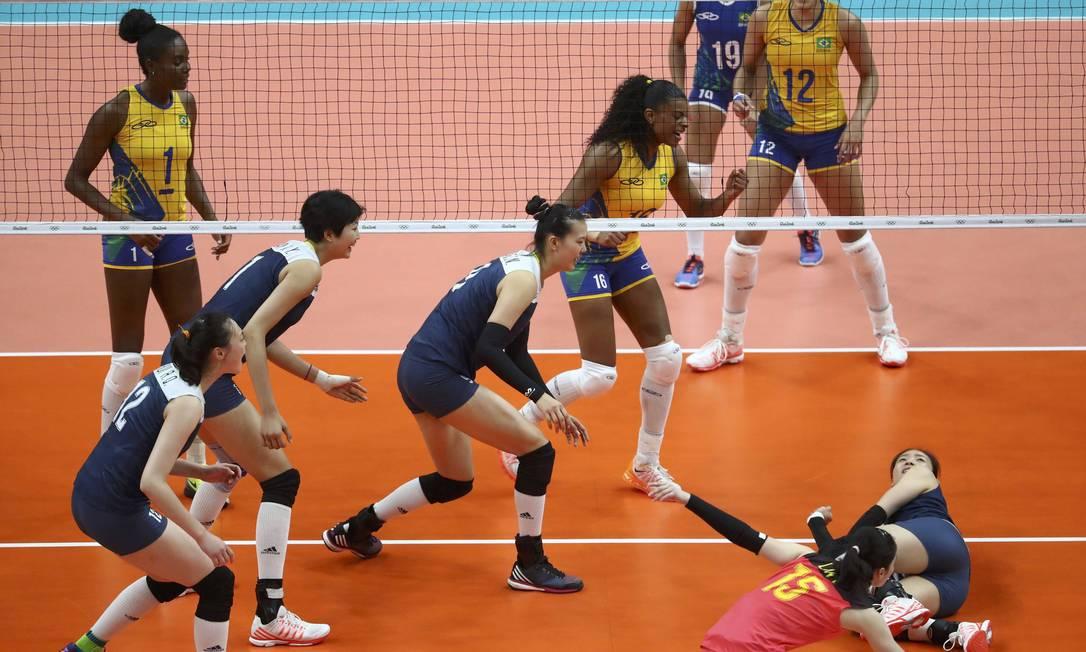 O jogo entre Brasil e China valia uma vaga na semifinal do torneio de vôlei dos Jogos do Rio-2016 YVES HERMAN / REUTERS