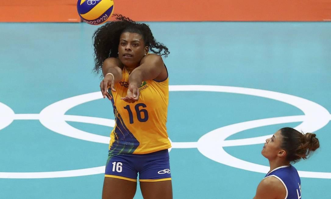 As brasileiras venceram o primeiro set com facilidade, ao contrário do que aconteceu nos seguintes YVES HERMAN / REUTERS