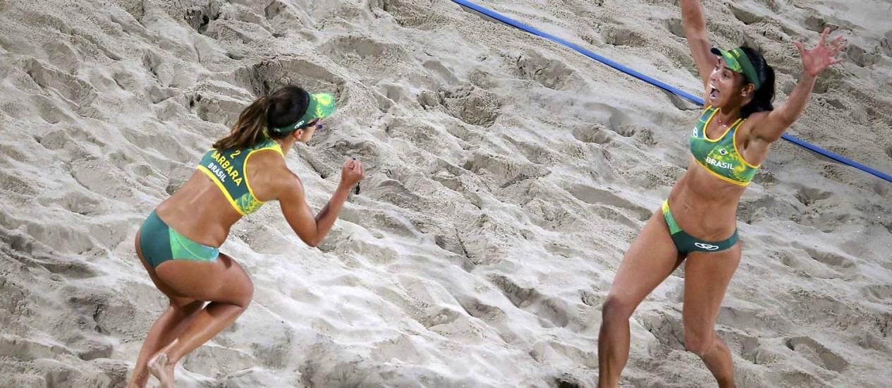 Bárbara Seixas e Ágatha venceram o primeiro set por 22 a 20 Foto: CARLOS BARRIA / REUTERS