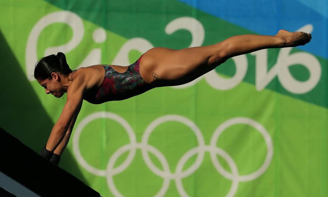 Ingrid Oliveira salta da plataforma de 10 metros Marcelo Theobald / Agência O Globo