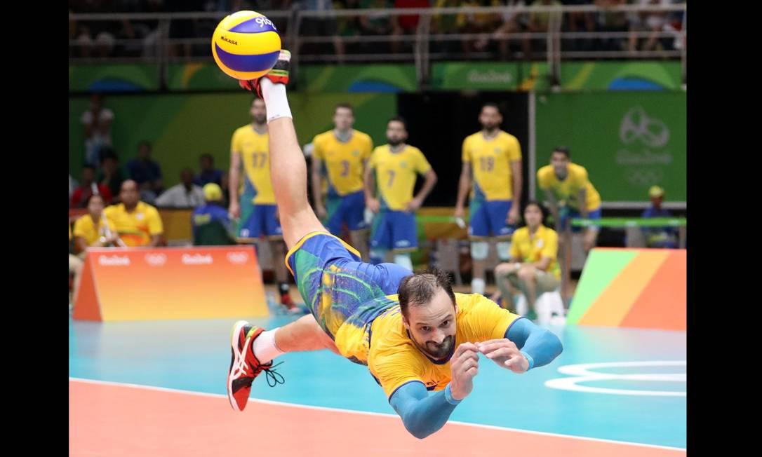 No terceiro set, brasileiros e argentinos protagonizaram um rally de 34 segundos! Marcelo Carnaval / Agência O Globo
