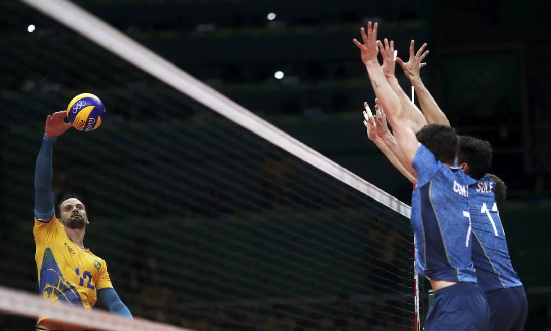 O Brasil cresceu no terceiro set e venceu por 25 a 20 RICARDO MORAES / REUTERS