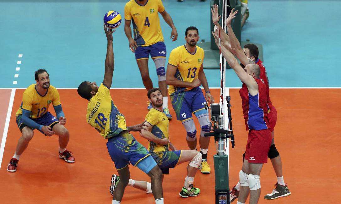A Rússia não facilitou para o Brasil. Como perdeu o primeiro set, voltou com garra total no segundo, disposta a ir à final RICARDO MORAES / REUTERS