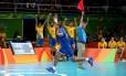 Serginho comemora a conquista do ouro sobre a Itália no vôlei