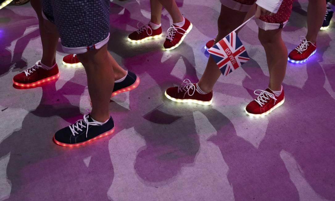 Tênis brilhantes dos atletas da Grã-Bretanha STEFAN WERMUTH / REUTERS