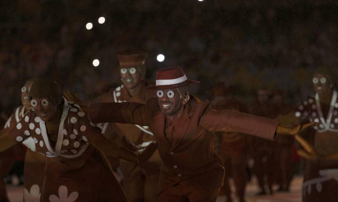 A arte popular foi seguidamente homenageada durante a cerimônia de encerramento dos Jogos STOYAN NENOV / REUTERS