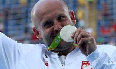Piotr: 'O destino me deu a chance de aumentar o valor da minha prata' Foto: ALESSANDRO BIANCHI / REUTERS