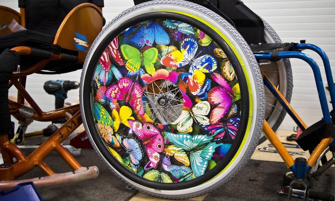 Uma das rodas vistas na Paralimpíada traz borboletas coloridas Monica Imbuzeiro / Agência O Globo