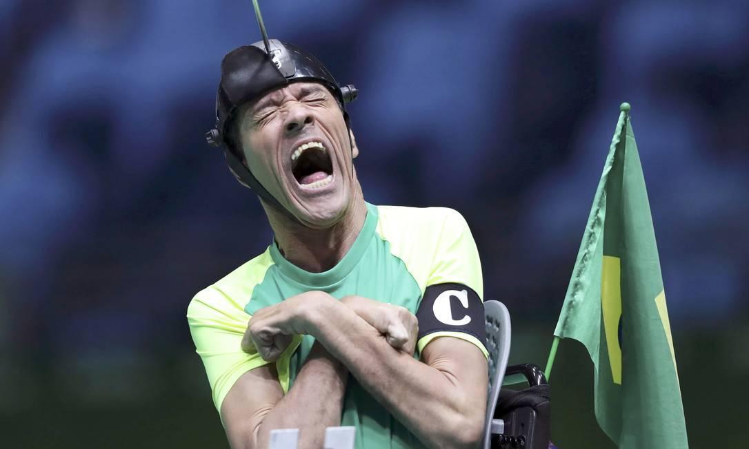 O brasileiro Antonio Leme durante a disputa na bocha contra a Coreia do Sul; Brasil levou o ouro nas duplas mistas, categoria BC3 UESLEI MARCELINO / REUTERS