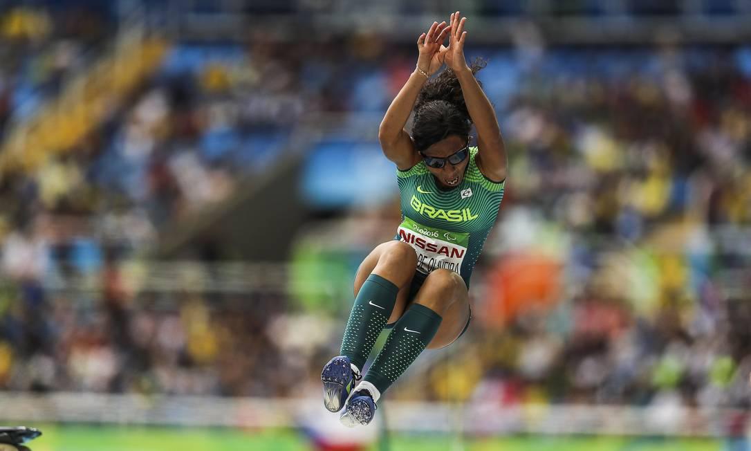 Silvania Oliveira conquistou o ouro na prova do salto em distância feminino (T11) Guilherme Leporace / Agência O Globo