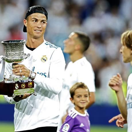 Cristiano Ronaldo comemorando a conquista da Supercopa da Espanha Foto: Francisco Seco / AP