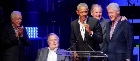 Reunião de cinco ex-presidentes dos Estados Unidos em apoio a vítimas de furacões no país Foto: Richard Carson / REUTERS