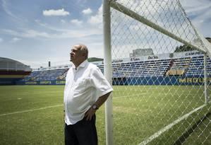 Presidente do Madureira, Elias Duba,está há mais de 20 anos no cargo Foto: Guito Moreto / Agência O Globo