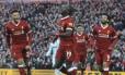 Sadio Mané (ao centro) fez o último gol do Liverpool sobre o West Ham, em goleada de 4 a 1 Foto: Rui Vieira / AP
