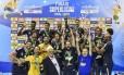 Time do Sada Cruzeiro comemora título da Superliga em 2017: o quinto nas seis últimas edições. Foto: Divulgação / CBV