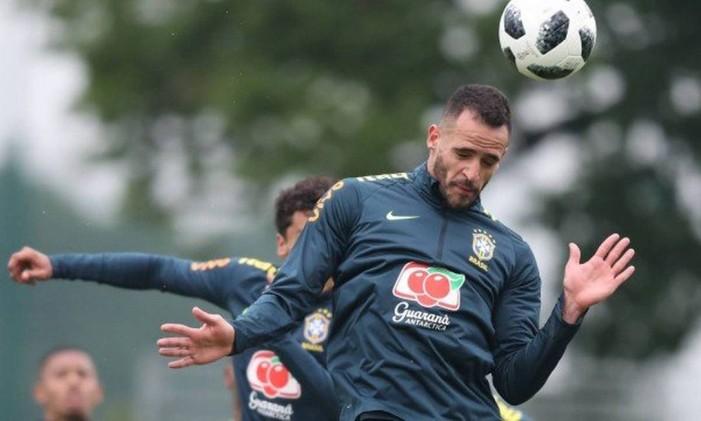 Renato Augusto sentiu dores no joelho esquerdo depois de treino na Inglaterra Foto: Lucas Figueiredo / /cbf.com.br
