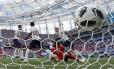 Quarto gol da Inglaterra sobre o Panamá Foto: CARLOS BARRIA / REUTERS