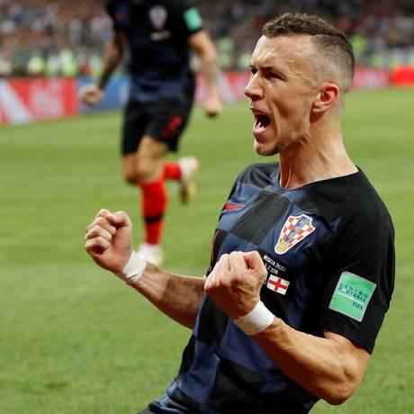 Perisic celebra o gol de empata na semifinal diante da Inglaterra Foto: DARREN STAPLES / REUTERS