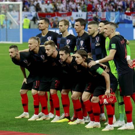 Seleção croata posa para foto antes da partida de semifinal contra a Inglaterra Foto: Marcelo Theobald / Agência O Globo