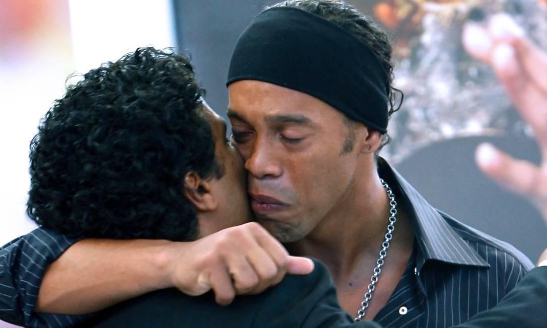 Ronaldinho e o irmão Assis foram condenados em 2015 Foto: Jefferson Bernardes / AFP