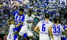 CSA perde para Avaí mas ainda tem chances e só depende de si para se tornar mais uma equipe nordestina na elite nacional Foto: Pei Fon / Agência O Globo