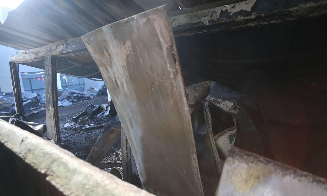 Incêndio deixa dez mortos no alojamento da base do Flamengo no Ninho do Urubu. Foto: Fabiano Rocha / Fabiano Rocha