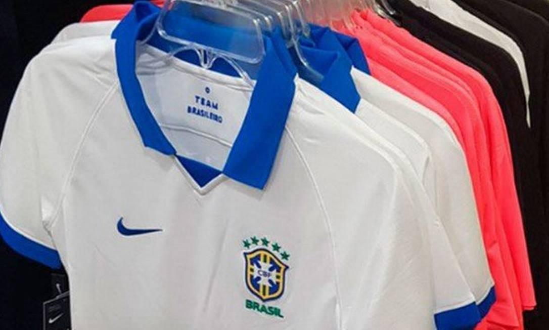 89deab4ee12c6 Site vaza imagem de nova camisa branca da seleção brasileira ...