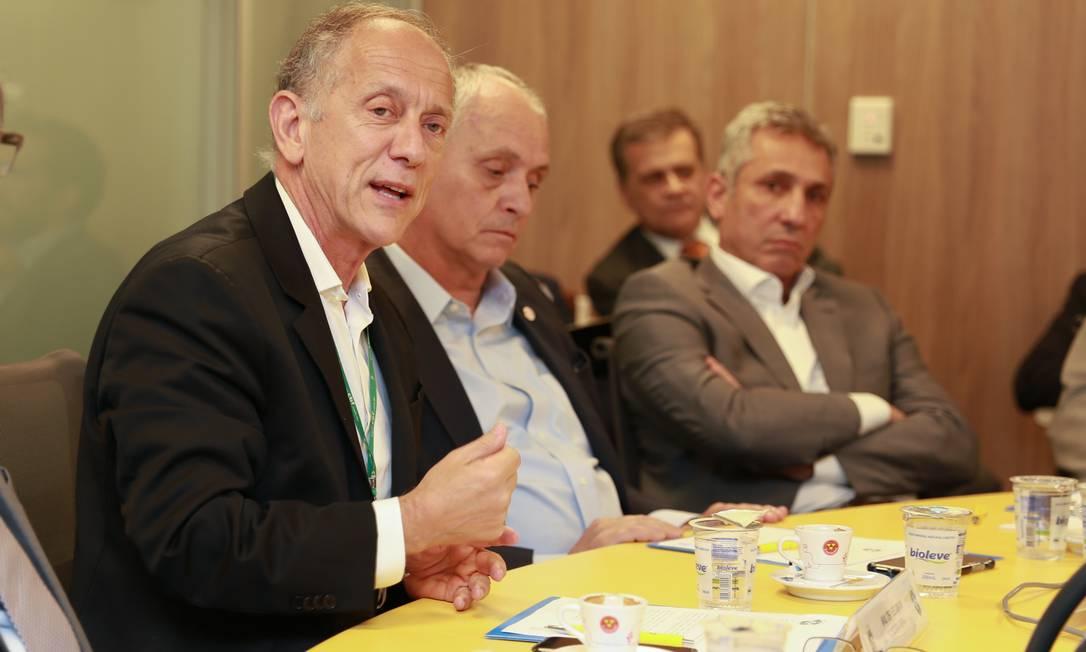 Walter Feldman, secretário-geral da CBF (esquerda), Marcelo Medeiros, presidente do Internacional, e Alexandre Campello, do Vasco Foto: Thais Fernandes/CBF