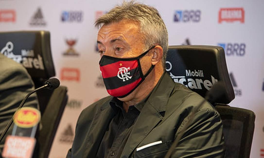 Domènec Torrent fala pela primeira vez em coletiva para a imprensa, no CT do Flamengo Foto: Divulgação Flamengo