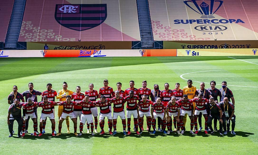 Flamengo posa para foto antes da bola rolar em em Brasília Foto: Marcelo Cortes / Flamengo / Marcelo Cortes / Flamengo