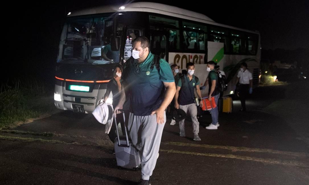 Equipe brasileira de judô na chegada ao hotel em Hamamatsu Foto: Divulgação COB