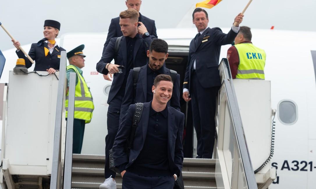 """""""Moderna e à vontade"""", Alemanha misturou camiseta e blazer e acertou no estilo para a Copa do Mundo. Divulgação/FIFA"""