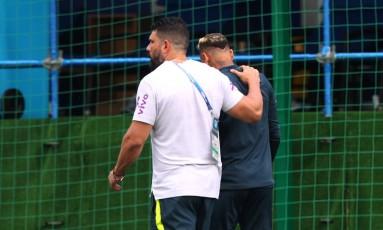 Neymar deixa o treino do Brasil e preocupa a seleção Foto: HANNAH MCKAY / REUTERS