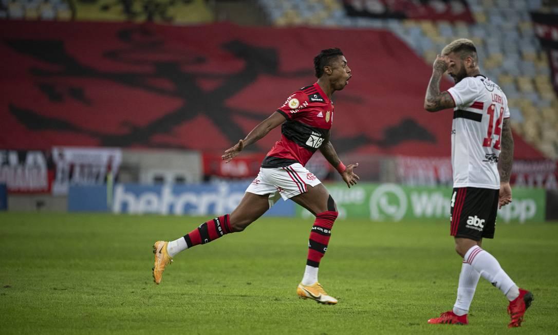 Burno Henrique marcou três gols e teve mais um anulado contra o São Paulo Foto: Alexandre Vidal / Flamengo