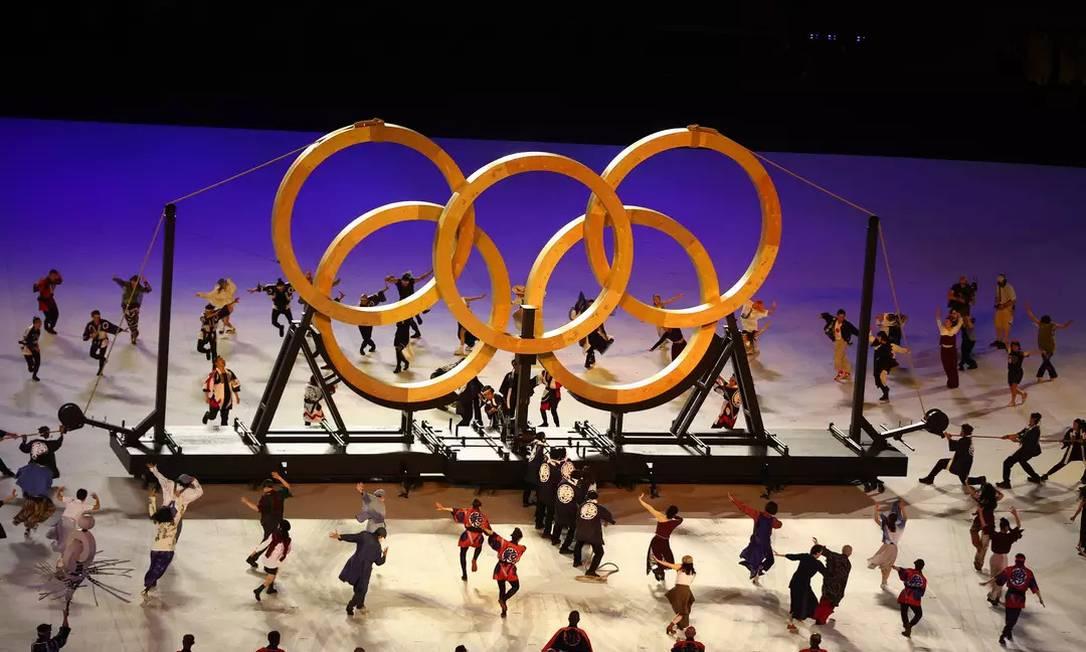 Anéis olímpicos formados por madeira na cerimônia de abertura Foto: Foto: Leonhard Foeger/Reuters